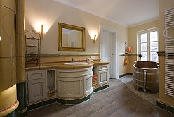 Country house style bathroom