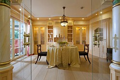 Country house style dining room