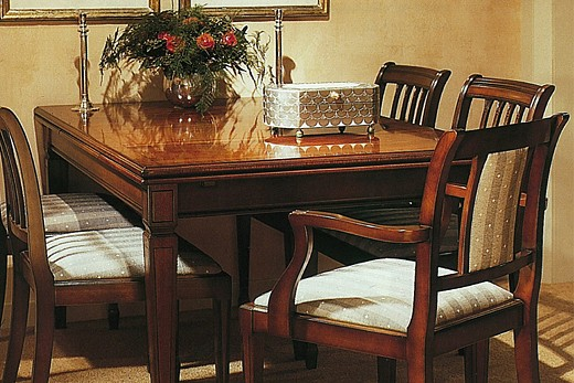table in solid wood baur wohnfaszination. Black Bedroom Furniture Sets. Home Design Ideas