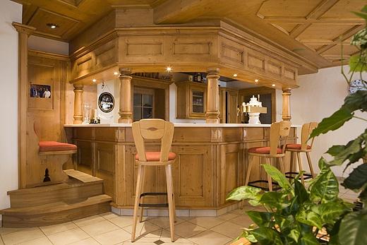 solid wood bar counter baur wohnfaszination. Black Bedroom Furniture Sets. Home Design Ideas