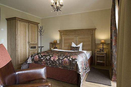 hotel ampervilla in fahrenzhausen baur wohnfaszination. Black Bedroom Furniture Sets. Home Design Ideas